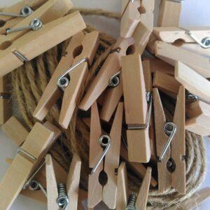 Holzklammern mit Schnur für Adventskalender